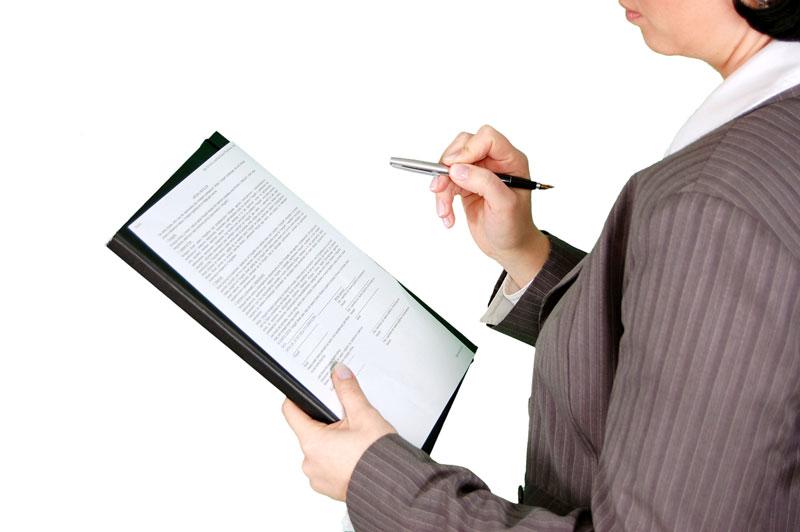 inspección del registro de horas de una empresa